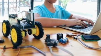 Nghiên cứu hệ điều hành Robot (ROS) để nâng cao kỹ năng lập trình robot