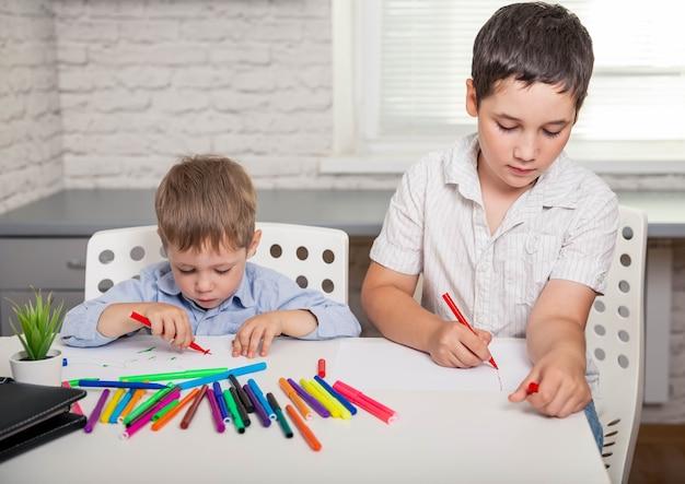 화가 예술가 재능 개념이 될 소년 창조적 인 소년