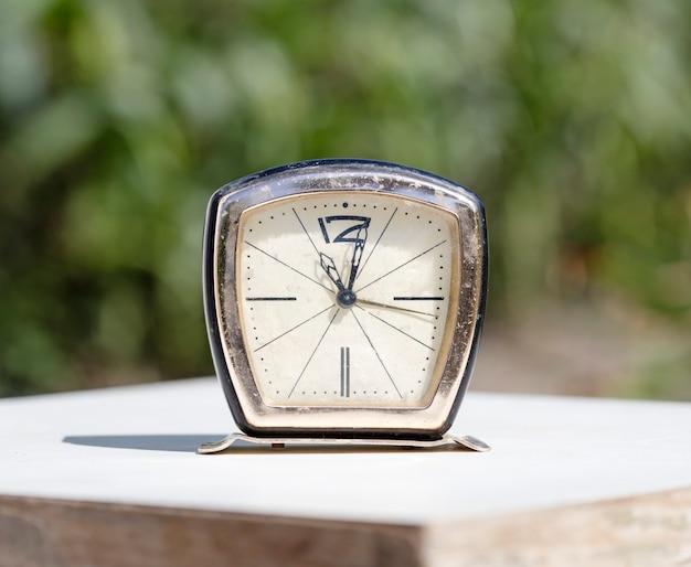브래킷 시계 알람 시계
