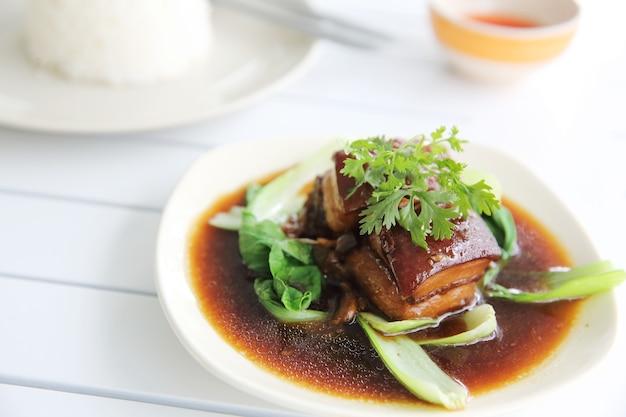 和風豚バラ肉の煮込み