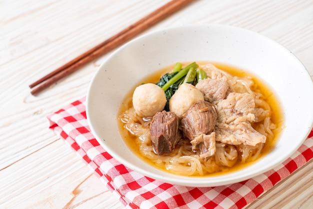 豚肉の煮込み丼-アジア料理スタイル