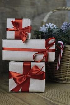 松ぼっくりの枝クリスマスプレゼントキャンディースティック