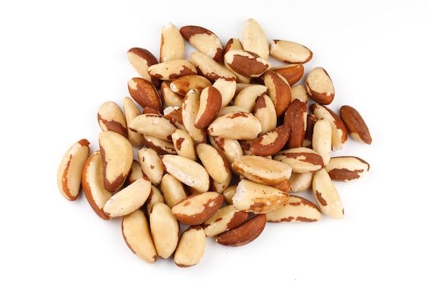 Бразильский орех - источник селена и полезен для здорового питания.
