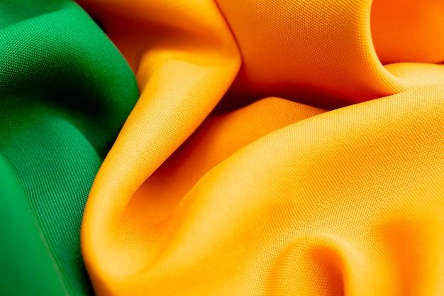 녹색과 노란색 색상으로 브라질 테마 질감 배경