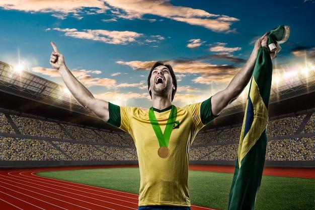 ブラジルのアスリート陸上競技場で金メダルを獲得。