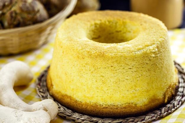 옥수수 가루로 만든 브라질 옥수수 케이크