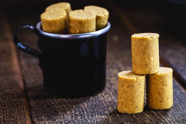 브라질의 6 월 지역 축제의 전형적인 달콤한 브라질 땅콩 잼