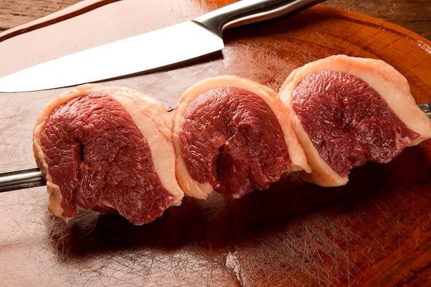ブラジルのピカーニャ。生肉。