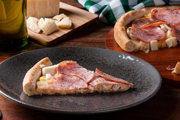 모짜렐라, 야자수와 옥수수의 심장을 곁들인 브라질 스타일 등심 피자