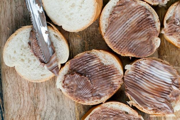 パンとチョコレートバター