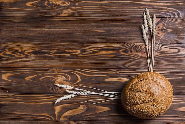 Хлеб и украшение пшеницы