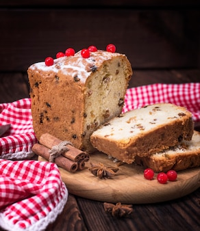 Bread cake with raisins and dried fruit