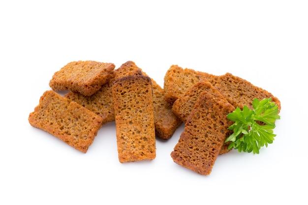 빵 croutons 흰색 배경에 고립입니다.