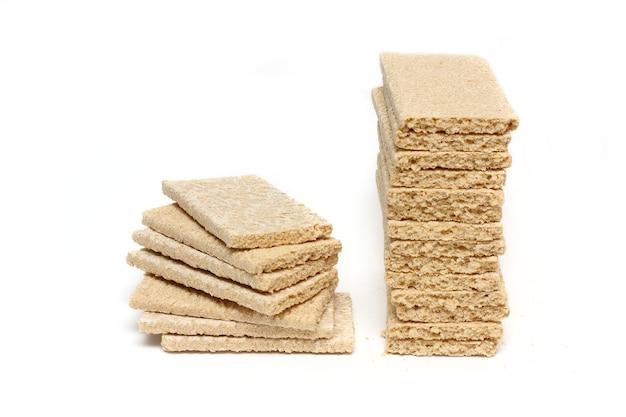 Хлеб на белом фоне крупным планом