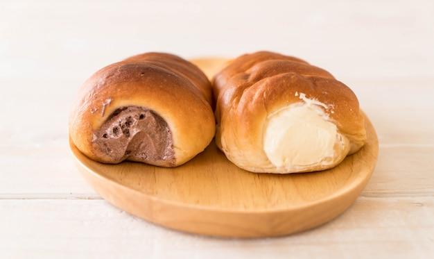Rotolo di pane con crema