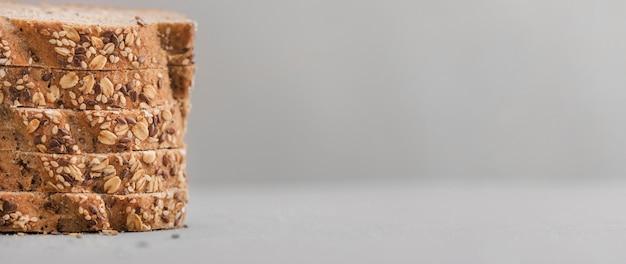 Рамка ломтики хлеба с копией пространства