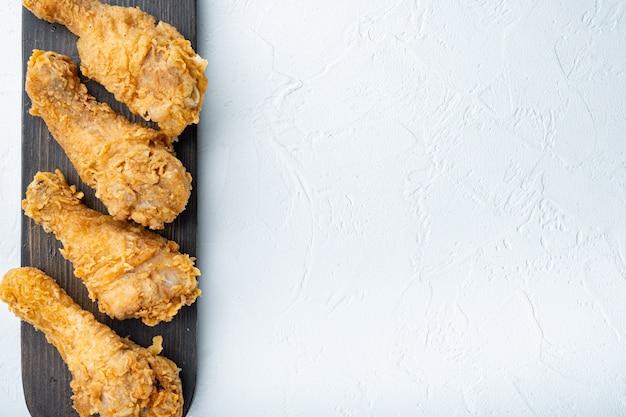 빵가루 입힌 켄터키 치킨 drumctick 부품 흰색