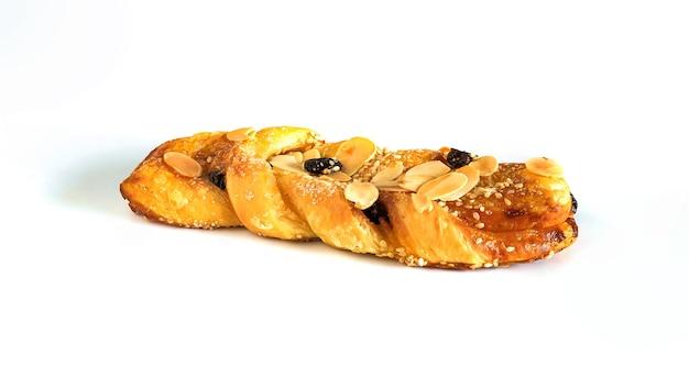背景に金色の皮が付いたパン。