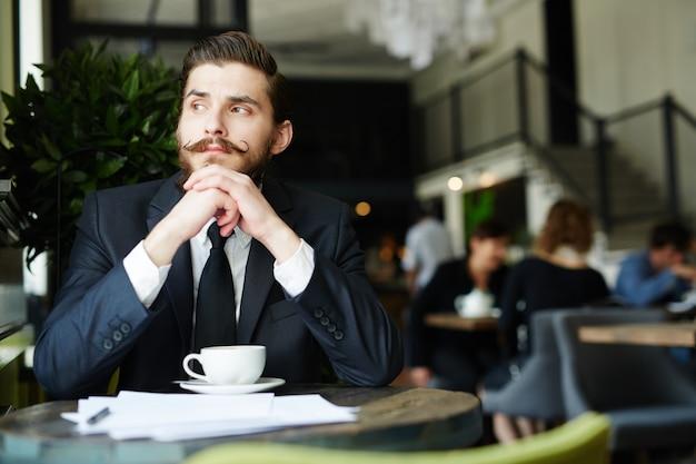 Break in cafe