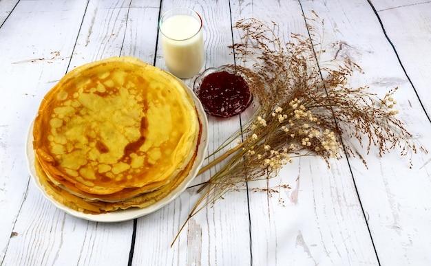 Завтрак, сливки, молоко, блины, еда, домашнее, тарелка