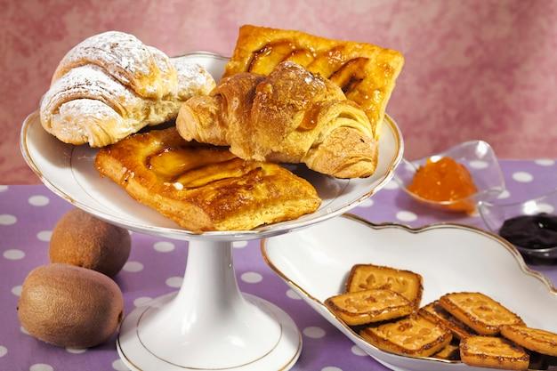 Breakfast gluttonery