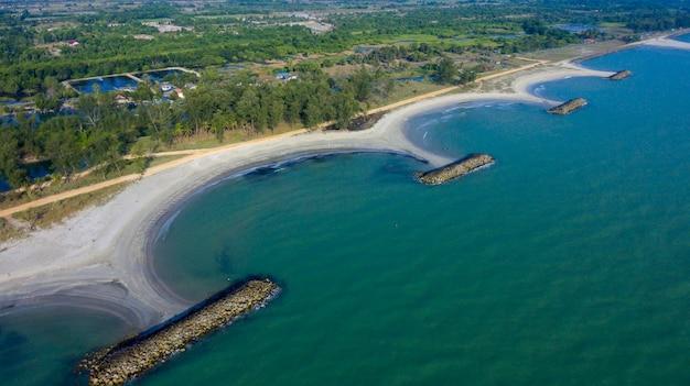 Breakwaters coastal protection