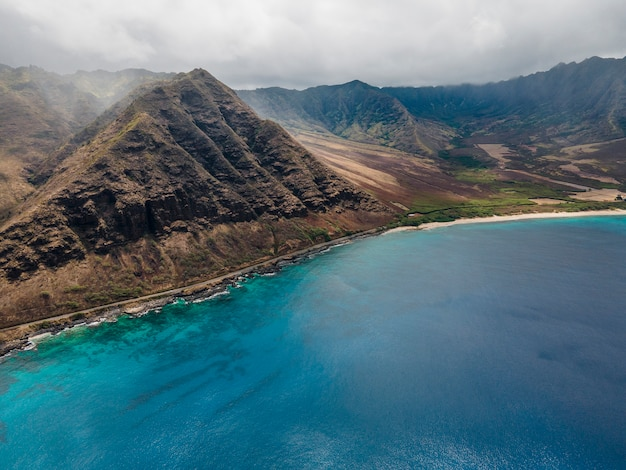 Breathtaking hawaii landscape with the blue sea