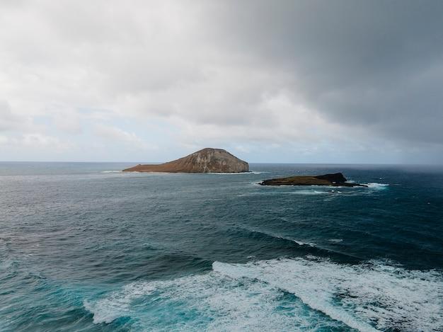 Breathtaking hawaii landscape with ocean