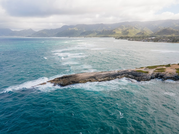 海と息を呑むようなハワイの風景