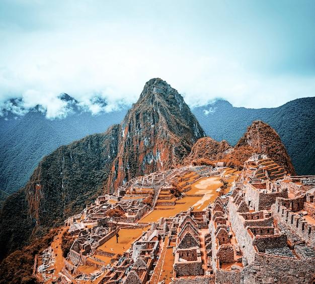 고대 마추 픽추 도시의 숨막히는 풍경