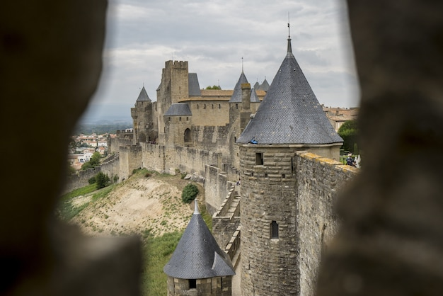 南フランスで撮影されたカルカソンヌの城塞の素晴らしい景色