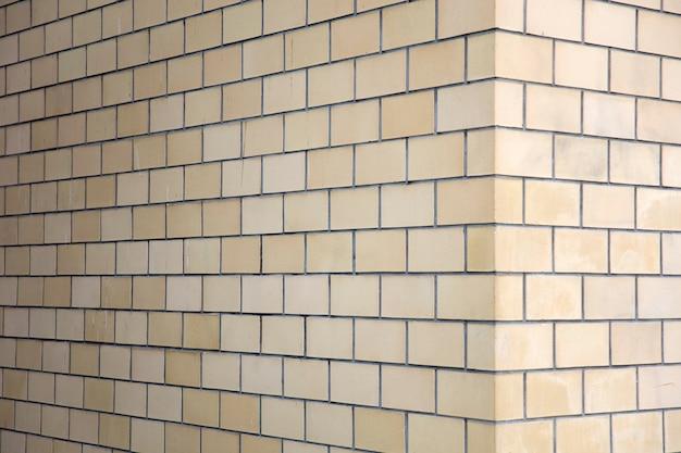 Уголок кирпичной стены