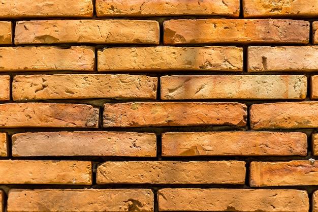 사원의 벽돌 벽