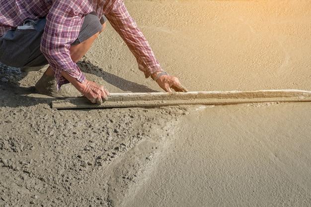 Bricklayer in construction work