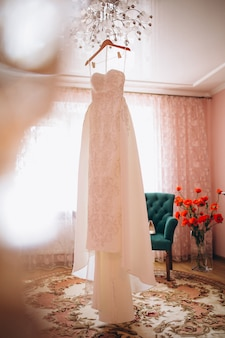Bridal wedding attributes