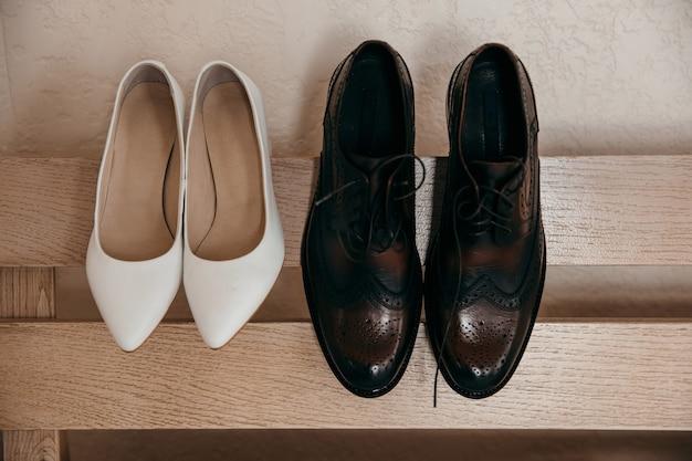 신부와 신랑 결혼식 신발