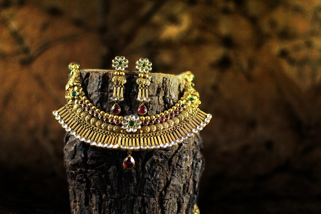 Bride gold jewellery set