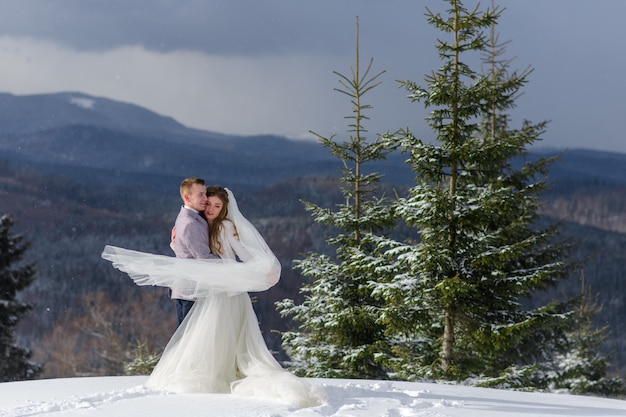 Bride and groom on a winter day