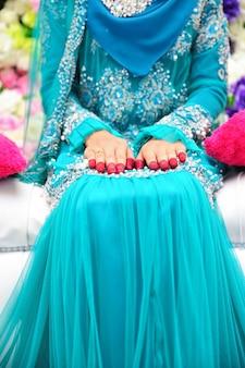 花嫁の折り畳み式の手