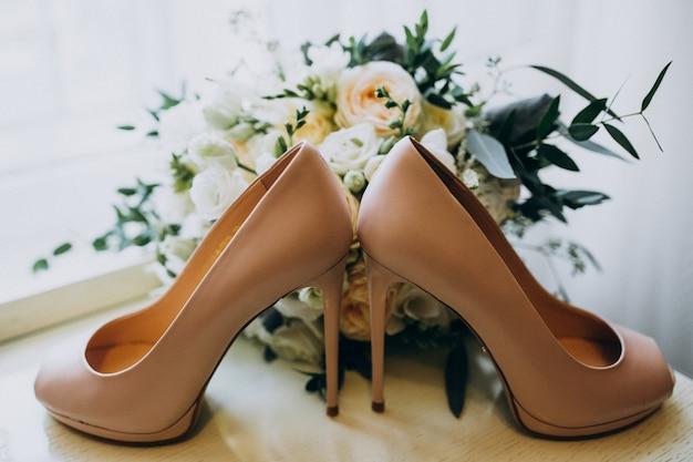 Свадебные туфли невесты