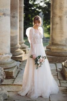 ウェディングブーケの花嫁