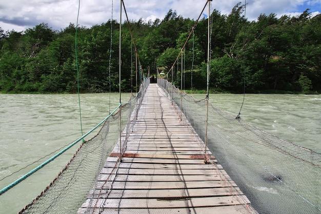 칠레 파타고니아 토레스 델 페인 국립 공원 다리