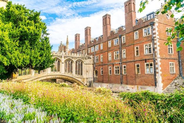 Мост вздохов в кембридже, соединенное королевство.
