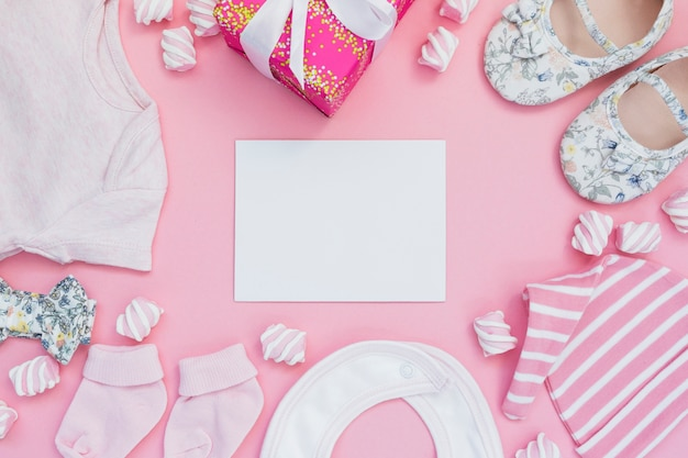 Яркая композиция для девочки-новорожденного