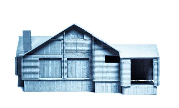 3d 프린터로 인쇄된 밝고 다채로운 개체입니다. 흰색 배경에 고립. 자동 3차원 3d 프린터는 실험실에서 플라스틱 녹색 색상 모델링을 수행합니다. 현대 3d 프린팅 기술.