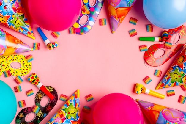 誕生日、パーティー、お祭り、カーニバルのための明るい装飾。