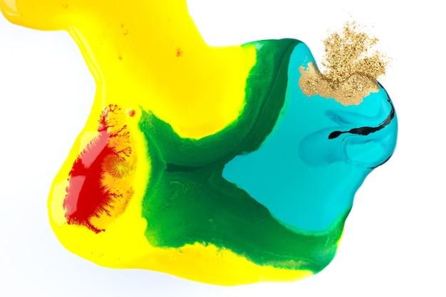 明亮的宏观液体墨水与金粉生动的大理石纹理