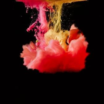 Spruzzi di inchiostro multicolore brillante