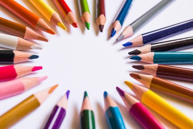 アレンジメントの明るい鉛筆