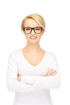 穏やかでフレンドリーな女性の明るい写真